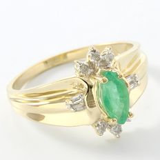 Estate 14kt Yellow Gold Ring 1.10 ct  Diamond and 1.00 ct Emerald - Size: 8 - Q