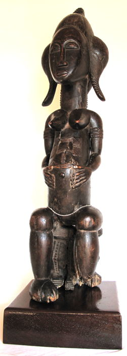 Imposing quality female figure on socle - BAULE - Ivory Coast