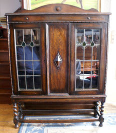 Tea cabinet with stained glass windows, solid oak legs, 1920s/1930s