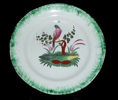 RAMBERVILLERS - Plate with green slice, central decoration with a beautiful bird