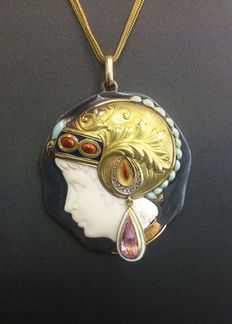 Art Deco pendant with diamonds, ivory, enamel and pink tourmaline Circa 1920