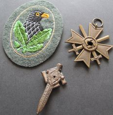 Original WW2 lot German Reich: 3 badges from the 3rd Reich (cloth badges)