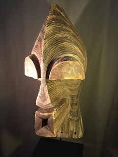 Important ancient wooden Kifwebe mask in polychrome - SONGYE - Former Belgian Congo