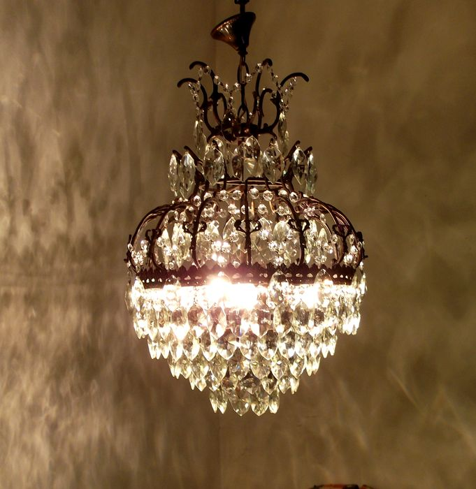 Brass and crystal chandelier, 21st century
