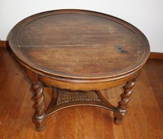 Round coffee table, oak, ca. 1900
