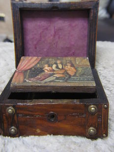 Antique; jewel box with secret erotic painting - Early 20th century