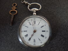 Key wind pocketwatch cilindre wood complete with key and silver chain