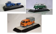 Premium ClassiXXs - Scale1/43 - Lot with 3 models: Mercedes Blaues Wunder, green/white, Police bus, VW T3a pick-up double cabin.