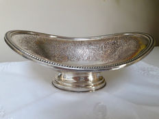 Antique finely decorated candy bowl in English Silver Plate by Boodle & Dunthorne Liverpool