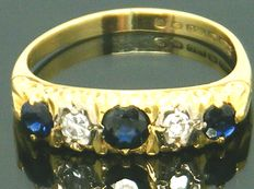 Ring with real Sapphire stones in 18K yellow gold and 2 round cut diamonds,- 0.34ct. VS1HN, No Reserve price