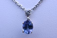 Beautiful 18 kt white gold rhodium-plated necklace with 0.10 ct brilliant cut diamond and a 0.70 ct oval tanzanite