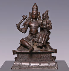 Fancy bronze sculpture of Shiva and Parvati - India - 19th century