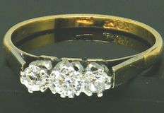 Diamond trilogy ring - 18K Yellow Gold / Platinum Ring Head - 3 Clean Big Old Cute Diamonds,- 0.72ct. VS2-H