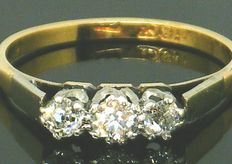 Diamond trilogy ring - 18K Yellow Gold / Platinum Ring Head - 3 Clean Big Old Cut Diamonds,- 0.72ct. VS2-H. NO Reserve Price