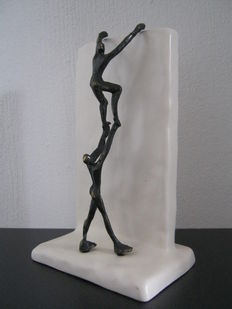 "Corry Ammerlaan van Niekerk - sculpture on ceramics - ""de berg"" (the mountain)"