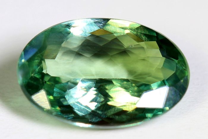 Alexandrite – 1.24 ct – Colour Change