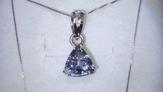 White gold necklace and pendant with a 2.26 ct tanzanite - NO RESERVE