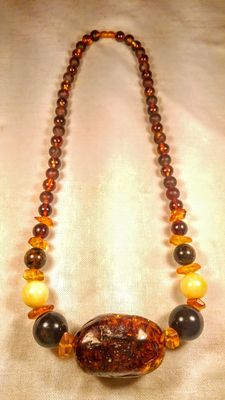 Long Baltic amber beads Necklace, No Reserve, 129 grams