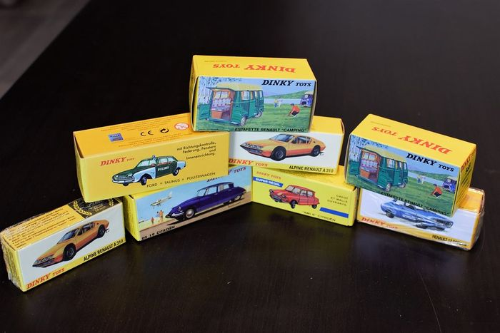 Dinky Toys-Atlas - Scale 1/43 - Lot with 8 models: Renault, Citroen, Ford & Gordini