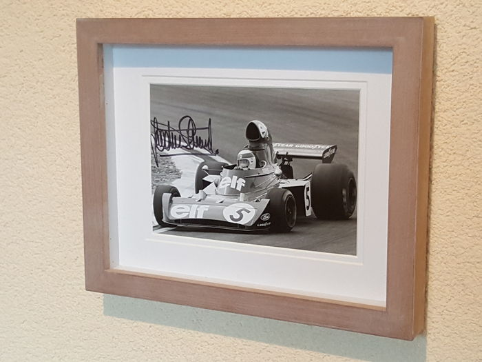 Jackie Stewart - 3x world champion Formula 1 - original autographed old framed photo + COA.