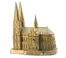 Jewellery box and music box with a Cathedral shape (Cologne)