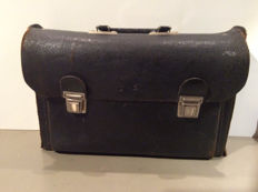 Vintage black leather two compartment tool case for in your oldtimer - 40 x 26 x 13 cm