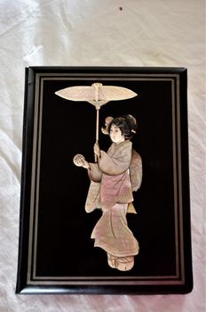 Laquer mother of pearl inlead woodblock folder - Japan - late 19th century