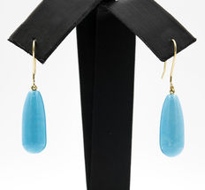Yellow gold earrings with pear-shaped turquoise gemstones