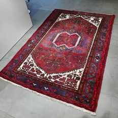 Splendid Hamadan Persian rug – 207 x 137 – very good condition – with certificate