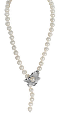 Lustrous 9x10mm Freshwater Pearl Necklace Featuring A Silver Pearl Oyster Clasp,  L 49cm - Authenticity Certificate