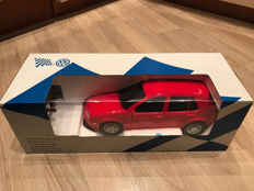 Very rare Golf 4 1:12 model with remote control by Dickie Spielzeug in original Volkswagen box