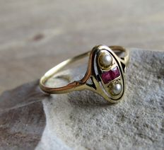 Gold ring with ruby and seed pearl