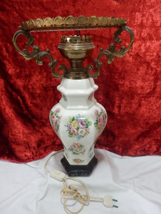 Hexagonal romantic style lamp with floral motifs - China - 2nd half 20th century