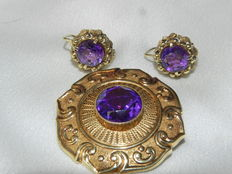 Earrings and a brooch with amethysts from the 30s