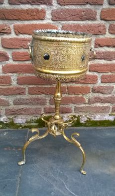 Large brass incense burner, approx. 3.5 kilos and height 56 cm - Turkey/Middle East - 19th century