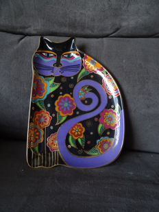 """Feline Fantasy"" plate + Figurine ""Flowering Féline"" by Laurel Burch"