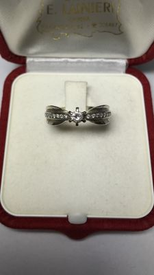 Ring in 18 kt gold with diamonds totalling 0.19 ct – Size: 15 (IT)