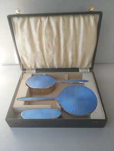 3-piece toiletry set, blue guilloche motif, with original box, United Kingdom, 20th century