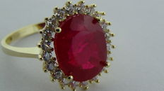 Gold ring 14 kt with ruby