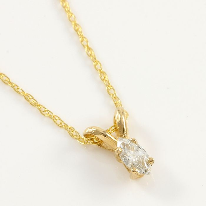 14kt yellow gold solitaire diamond pendant necklace chain 45 cm 14kt yellow gold solitaire diamond pendant necklace chain 45 cm aloadofball Images