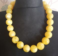White butter colour Baltic Amber necklace with large beads, 206 grams