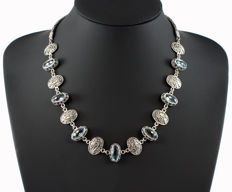 Handmade necklace in 925/1000 sterling silver - With 7 blue topazes – Origin: Bali, Indonesia