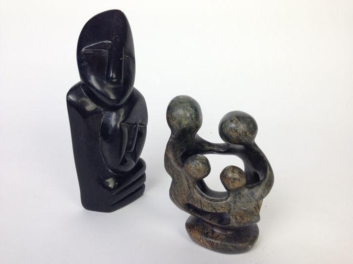 2 green serpentine stone Shona sculptures - 20cm (0,9kg) and 13cm (0,5kg)