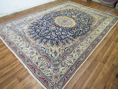 Wonderfully beautiful Persian carpet – Nain / Iran – 415 x 298 – end of the 20th century Excellent condition – XXL – like new – oversized