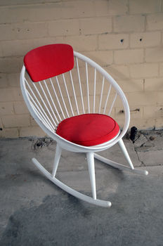 Designer unknown - vintage 'Circle Chair' rocking chair