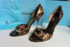 "Guess Marciano ""Tessa leather sandal"" including original box, extra hooks and dust bag Beautiful leather heels/courts with gold and panther print"