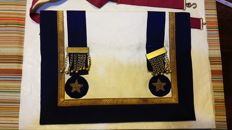 Masonic vestment with star in gold filigree