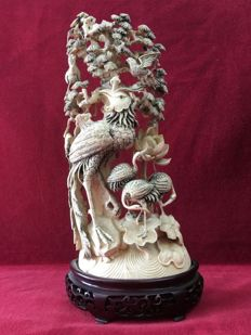 Large, ivory sculpture group with birds - China - second half 19th century