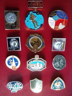 Space: badges, buttons, pennants, magazine