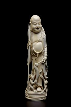 Ivory Buddhai - China - late 19th Century.